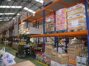 Disponemos de un almacén Mercabilbao y otro en Basauri desde donde llegamos a todas las familias de Bizkaia que lo necesiten